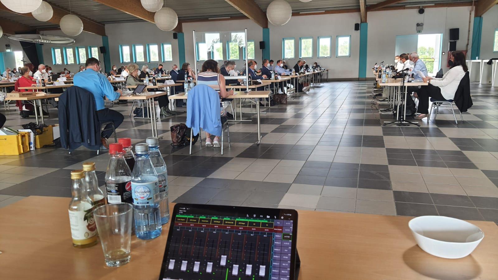 Kreistagssitzung Kreis Wesel im Deichhaus auf der Grav-Insel in Wesel